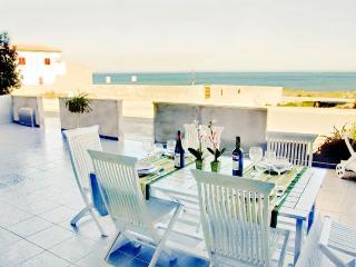 Casa con vistas al mar y a 40 m de la playa - Son Serra de Marina vacation rentals