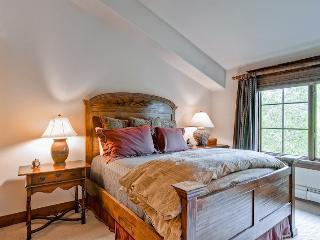 Spacious 4 bedroom Condo in Avon - Avon vacation rentals