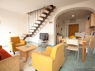 Apartment Andrea holiday vacation apartment rental italy, amalfi coast, amalfi - Amalfi vacation rentals