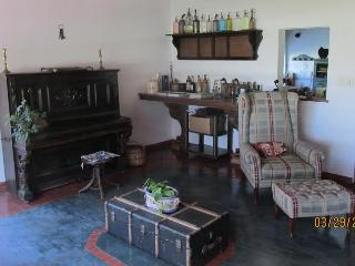 Perfect Finca with Washing Machine and Television - San Andres de Giles vacation rentals