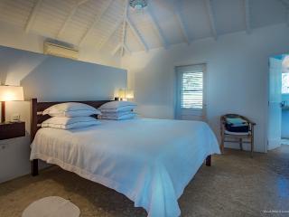 Perfect 3 bedroom Saint Jean Villa with Internet Access - Saint Jean vacation rentals