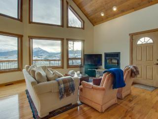 Rugged luxury awaits at this lovely house with stunning mountain & lake views - Silverthorne vacation rentals