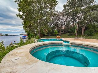 Lakefront home w/ all the necessities. Sleeps 12 - Marble Falls vacation rentals