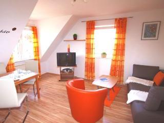 Vacation Apartment in Wachenheim - 592 sqft,  (# 8974) - Wachenheim an der Weinstrasse vacation rentals