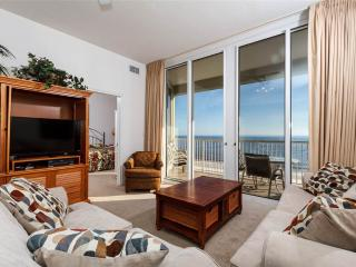 Beautiful 2 bedroom Fort Walton Beach Apartment with Private Outdoor Pool - Fort Walton Beach vacation rentals