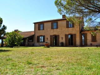 Beautiful 4 bedroom Vacation Rental in Massa Marittima - Massa Marittima vacation rentals