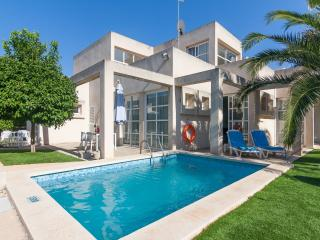 Nice Villa with Internet Access and A/C - Ca'n Picafort vacation rentals
