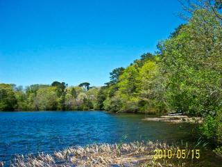 Waterfront on Andrews Pond - 5 BR, 3 Baths, King Beds & 8 A/C's - HA0598 - Harwich vacation rentals