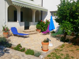 House Diana Brist 20 m from the beach - Brist vacation rentals