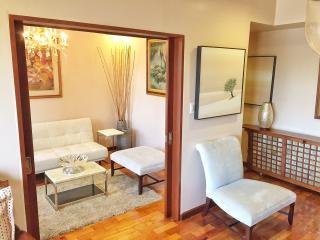 GREENBELT COZY 1BR w/ CONVERTIBLE DEN - Makati vacation rentals