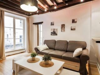 Rue Saint-Jacques apartment in 05ème - Quartier Latin with WiFi. - Paris vacation rentals