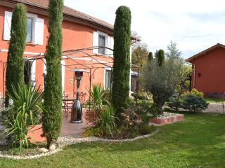 Nice House with Game Room and Housekeeping Included - La Cote-Saint-Andre vacation rentals