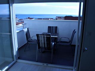 Beautiful apartment for 7, A11 - Novalja vacation rentals