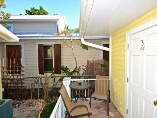 TRUMAN SUITE - 1 Block To Duval St. Great KW Deal. - Key West vacation rentals