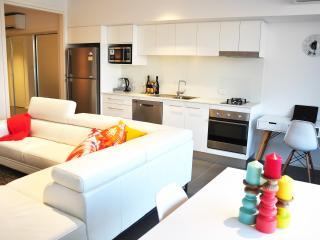 Newcastle Getaway - 5 Star Luxury - Newcastle vacation rentals