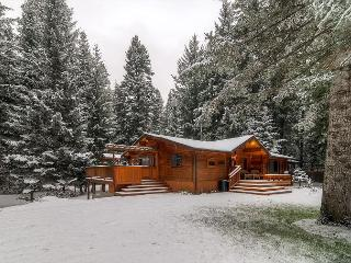 3rd Nt Free! ONE-of-a-KIND Secluded Riverfront Home Near Suncadia, Slps13 - Cle Elum vacation rentals