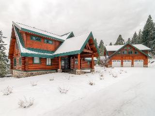 Spectacular Private Log Cabin|Hot Tub,Ping Pong|Slps13|Winter 4th Nt Free! - Cle Elum vacation rentals