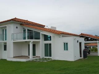 Nice House with Internet Access and Washing Machine - Gorgona vacation rentals
