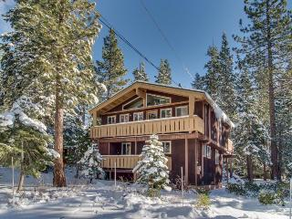 Classic chalet with room for 14 & easy lake access! - Carnelian Bay vacation rentals