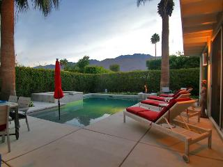 Mid-Century Hollywood Style in a Custom Palm Springs Home - Palm Springs vacation rentals