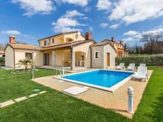 3 bedroom Villa with Internet Access in Mofardini - Mofardini vacation rentals