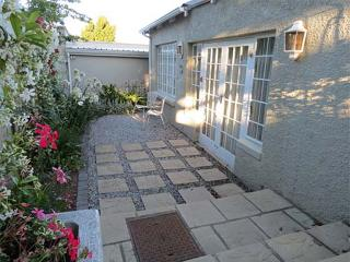 Comfortable 1 bedroom Grahamstown Cottage with Internet Access - Grahamstown vacation rentals