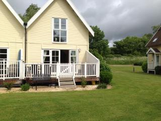 Lovely House with Internet Access and Wireless Internet - Cheltenham vacation rentals
