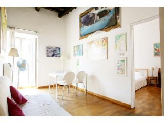 Bright, charming wood ceilings Historic Centre ! - Rome vacation rentals