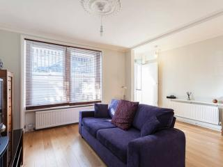 Exquisite Apartment in Chelsea with Garden - London vacation rentals