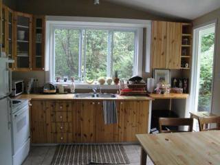 Beautiful 2 bedroom Chalet in Rawdon - Rawdon vacation rentals