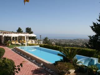1 bedroom Bungalow with Internet Access in Bellapais - Bellapais vacation rentals