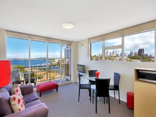Renovated 1 bdrm apartment - North Sydney vacation rentals