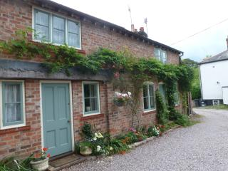 Comfortable self catering period cottage - Tarvin vacation rentals