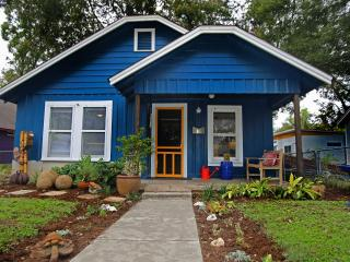 Casita de Luz (2/1): Walk to Downtown & Rainey St - Austin vacation rentals