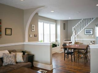 Charming 3 Bedroom Duplex Near Downtown - Indianapolis vacation rentals