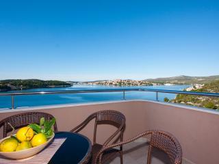 TH01606 Apartments Smilje / One bedroom A3 - Rogoznica vacation rentals