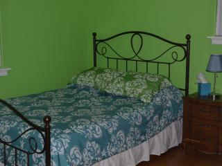 Clean Room 15 minutes from the French Quarter - Chalmette vacation rentals
