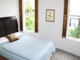 STUNNING 2 BEDROOM MODERN HOME - San Francisco vacation rentals