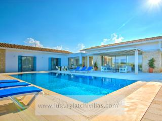 Lovely 3 bedroom Villa in Latchi with Television - Latchi vacation rentals