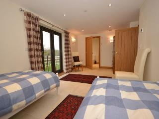 Convenient 3 bedroom Wookey House with Internet Access - Wookey vacation rentals