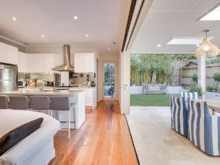 3 bedroom House with Television in Sydney - Sydney vacation rentals