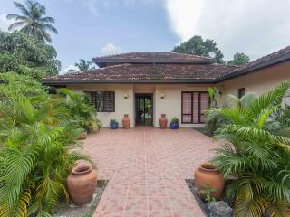 Nice Villa with Internet Access and A/C - Negombo vacation rentals