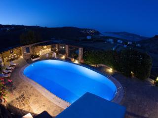 4 bedroom Villa with A/C in Mykonos - Mykonos vacation rentals