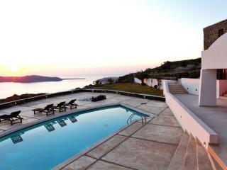 5 bedroom Villa with Internet Access in Santorini - Santorini vacation rentals
