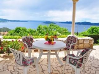 Traditional house with terrace and sea view - Dubrovnik vacation rentals