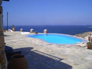 6 bedroom Villa with Private Outdoor Pool in Mykonos - Mykonos vacation rentals