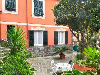 Mara, garden next to the center - Santa Margherita Ligure vacation rentals