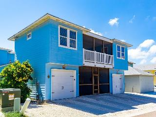 Relax and Swim at Dolphin Cove! PETS! 10 bedrooms plus a  PRIVATE POOL! - Port Aransas vacation rentals