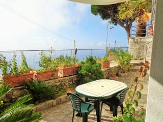 Beautiful 2 bedroom House in Furore with Internet Access - Furore vacation rentals