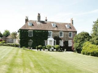 Perfect 6 bedroom House in East Lavant - East Lavant vacation rentals